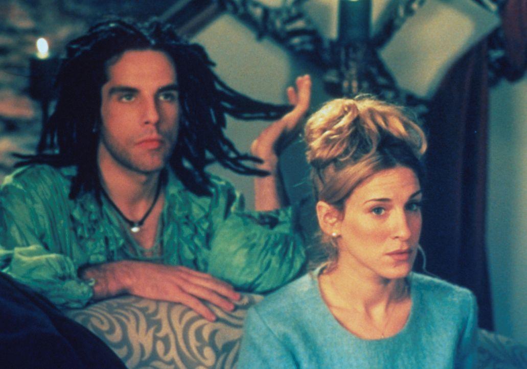 Der exzentrische Maler Bwick (Ben Stiller, l.) becirct Lucy (Sarah Jessica Parker, r.). Aber ist er der Mann fürs Leben? - Bildquelle: 1996 TriStar Pictures, Inc. All Rights Reserved.