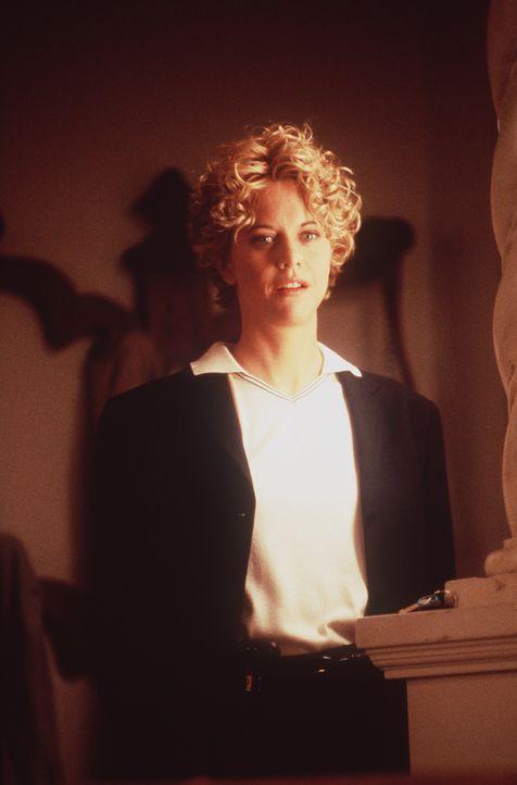 Ganz langsam merkt Maggie (Meg Ryan), dass irgendetwas mit Seth nicht stimmt. Er ist zu perfekt, unmenschlich perfekt ... - Bildquelle: Warner Bros.