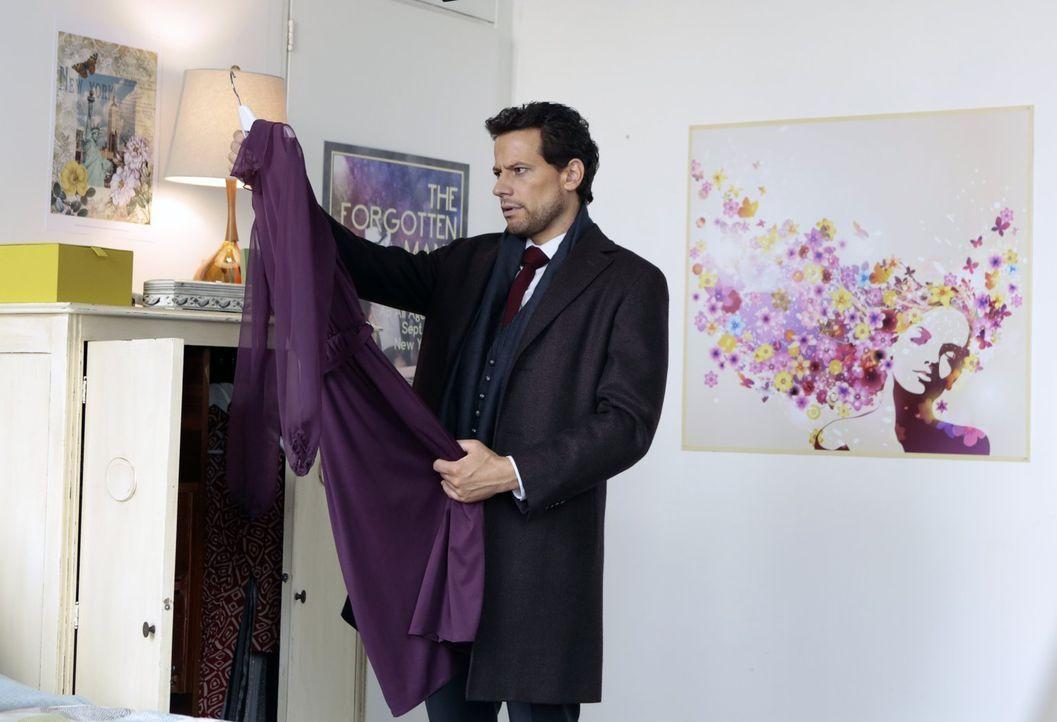 Nicht nur die Mode der ermordeten Sarah ist für Henry (Ioan Gruffudd) mehr als verdächtig ... - Bildquelle: Warner Bros. Television