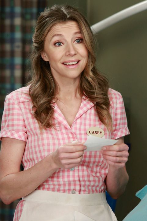 Die Kellnerin Casey (Sarah Chalke) macht sich Sorgen um ihren Sohn und bringt ihn umgehend ins Grey-Sloan-Memorial Hospital ... - Bildquelle: ABC Studios