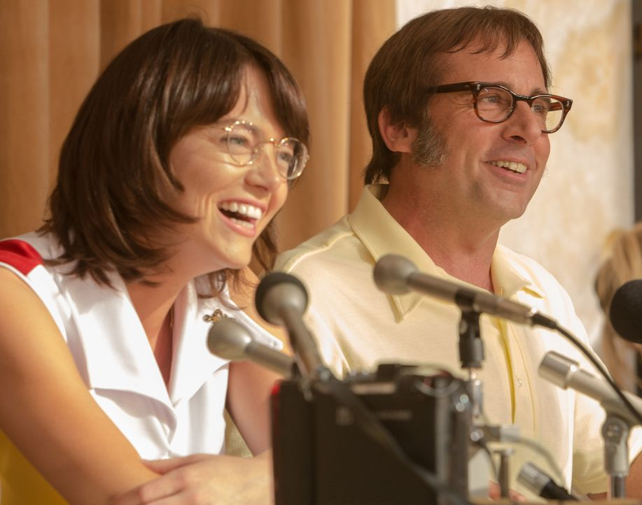 Billie Jean King (Emma Stone, l.); Bobby Riggs (Steve Carell, r.) - Bildquelle: 2017 Twentieth Century Fox Film Corporation.  All rights reserved.