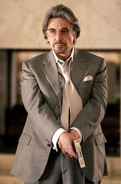 Gigli erhält von Louis den Auftrag einen Jungen zu entführen, welcher der Bruder eines Mannes ist, der seinem Mafia-Oberboss Starkman (Al Pacino)... - Bildquelle: 2004 Sony Pictures Television International. All Rights Reserved.