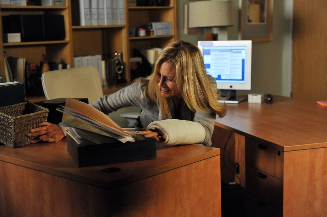 Charlotte (KaDee Strickland) versucht mit den emotionalen Auswirkungen der Vergewaltigung fertig zu werden und beschließt, darüber zu schweigen ... - Bildquelle: ABC Studios