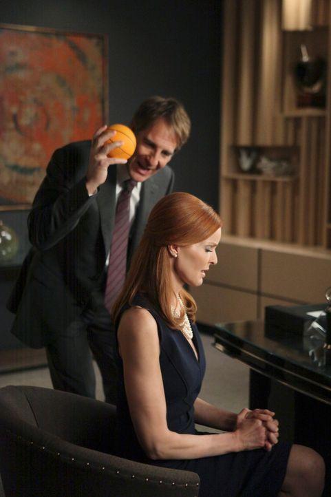 Während Susan ein von Mike gehütetes Geheimnis lüftet, will Bree (Marcia Cross, r.) alles versuchen, den berühmtberüchtigten Anwalt Trip Weston (Sco... - Bildquelle: ABC Studios