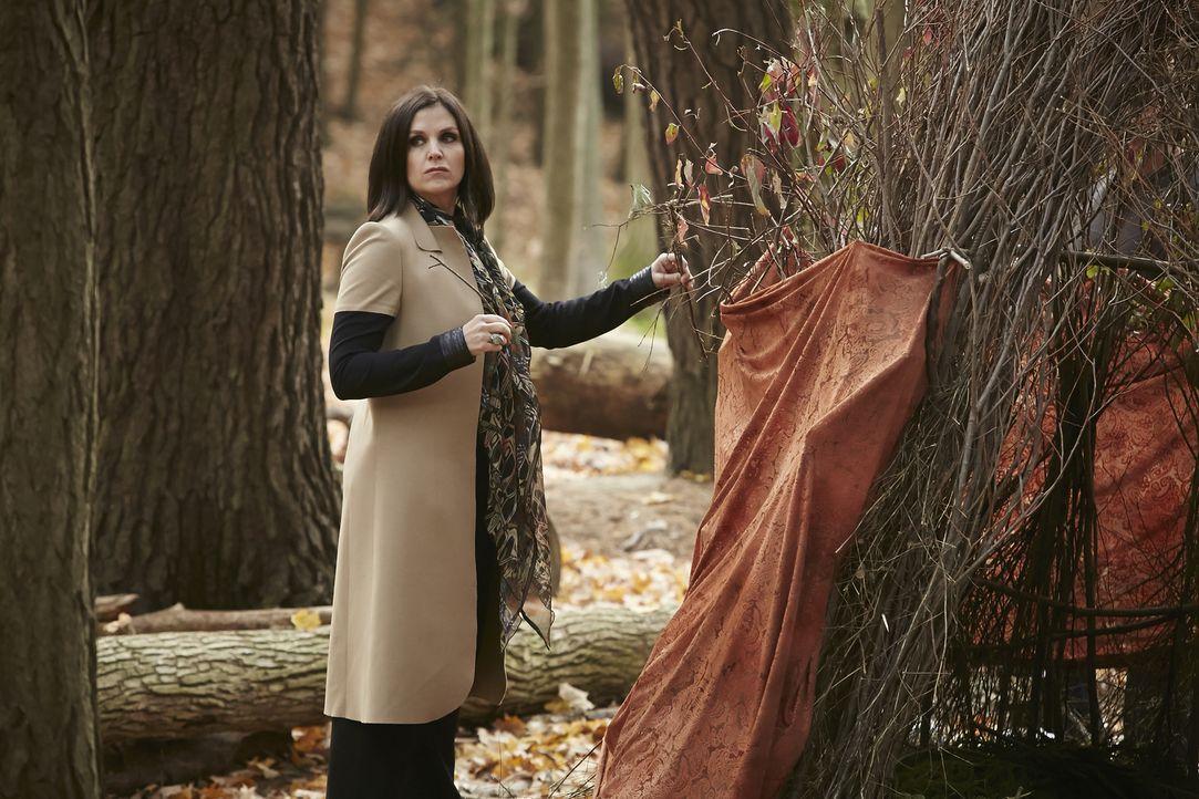 Die Dinge geraten außer Kontrollen, als Aleister wieder auftaucht. Selbst die Anführerin des Hexenzirkels, Ruth (Tammy Isbell), kann nicht mehr helf... - Bildquelle: 2015 She-Wolf Season 2 Productions Inc.
