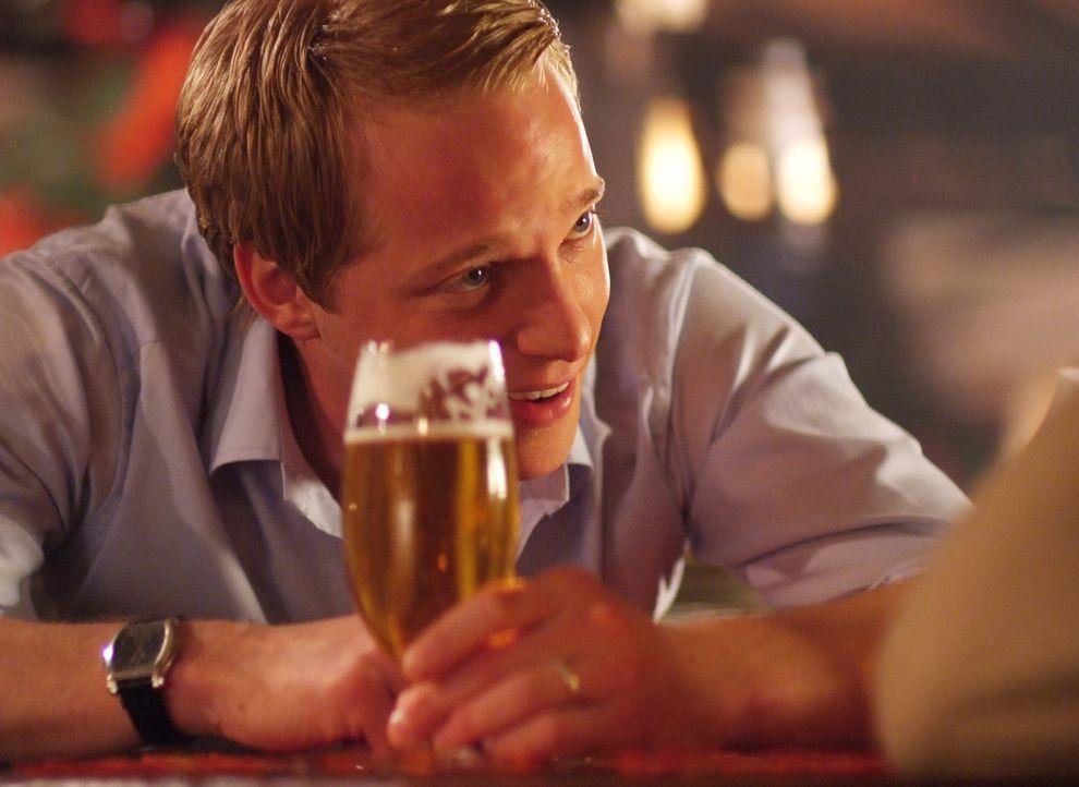 Auch Adelige müssen mal die Sau rauslassen: Prinz Edvard von Dänemark (Luke Mably) ... - Bildquelle: Nu Image Films