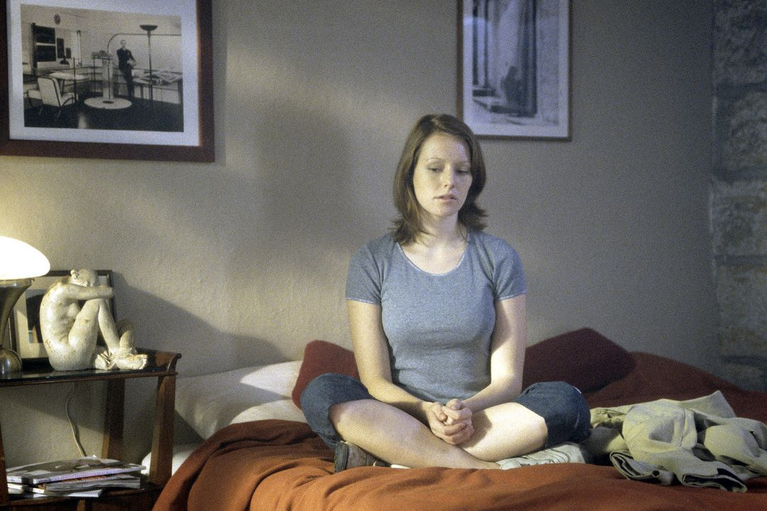 Johanna (Lavinia Wilson) ist überzeugt, dass etwas Schreckliches geschehen ist ... - Bildquelle: Sat.1