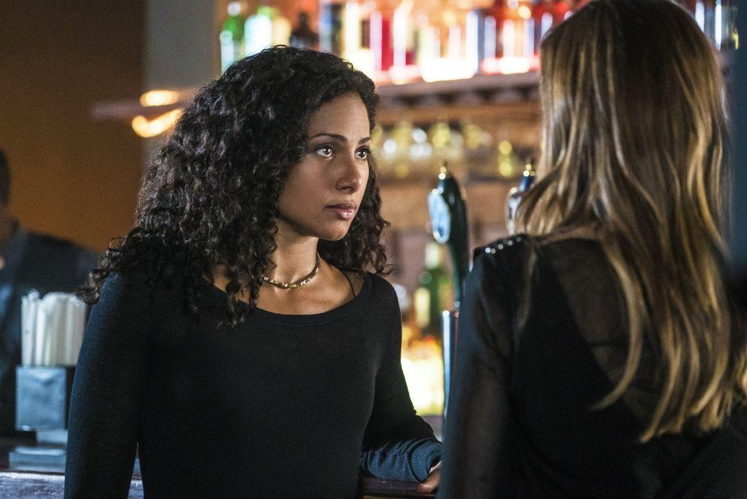 Hayley ist auf der Suche nach der letzten Überlebenden des siebten Werwolfclans. Ist Keelin (Christina Marie Moses) die richtige und wird sie Hayley... - Bildquelle: 2016 Warner Brothers