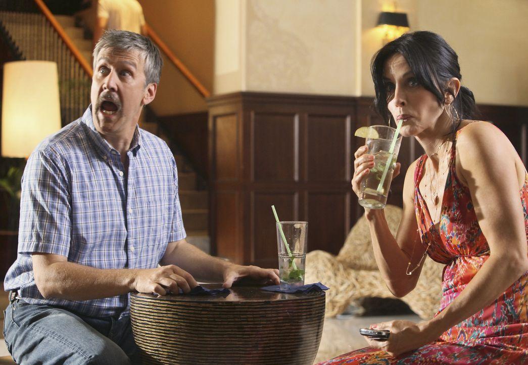 Als Frank (Alan Ruck, l.) den Fehler begeht, seiner Frau zu beichten, dass er nach ihrem Tod gern mit Jules (Courteney Cox, r.) zusammen wäre, ist... - Bildquelle: 2009 ABC INC.