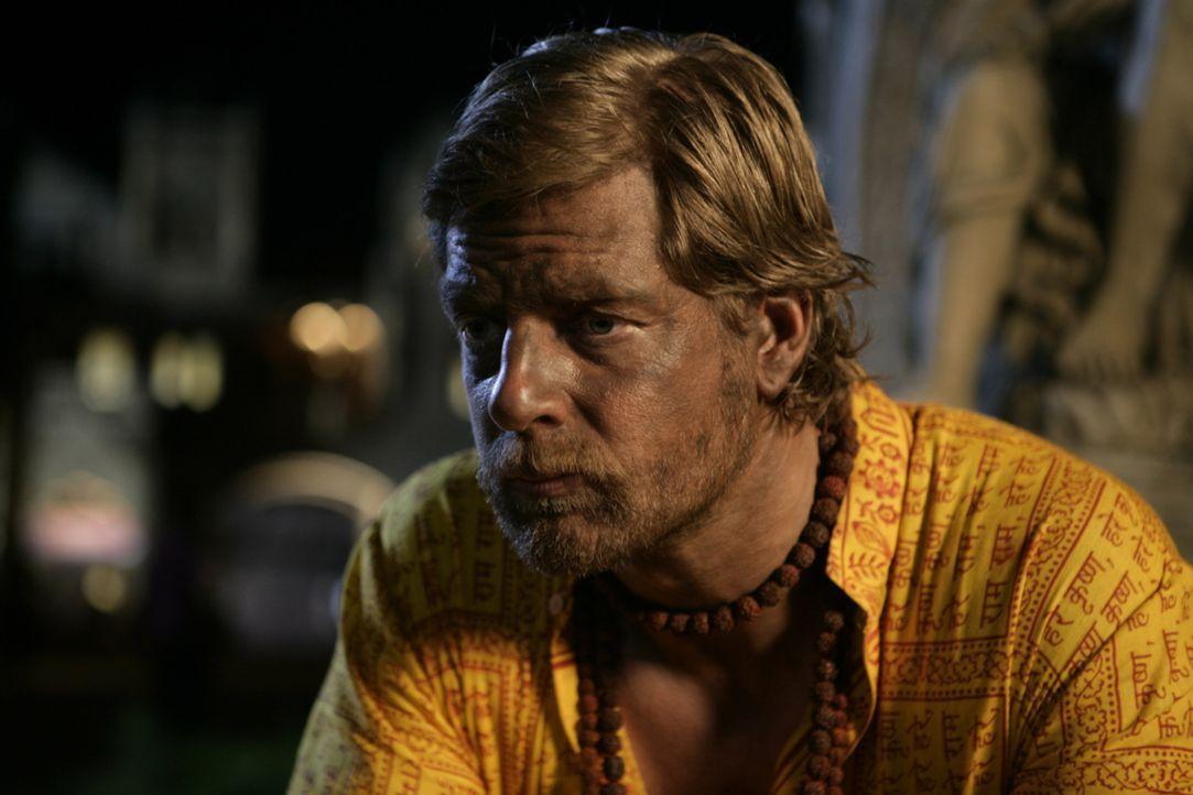 Kaum in Indien angekommen, erfährt Max (Henning Baum), dass sein Freund das Geld, das er für eine gemeinsame Unternehmensgründung geplant hatte,... - Bildquelle: Vinod Deshpande SAT.1