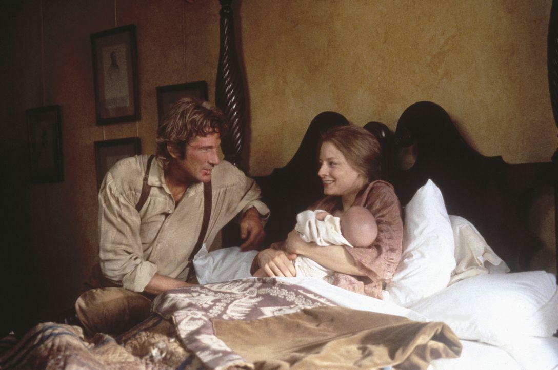Früher war Jack (Richard Gere, l.) launisch und brutal, doch er ist zu einem so vorbildlichen und liebevollen Gatten geworden, dass Laurel (Jodie Fo... - Bildquelle: Warner Bros.
