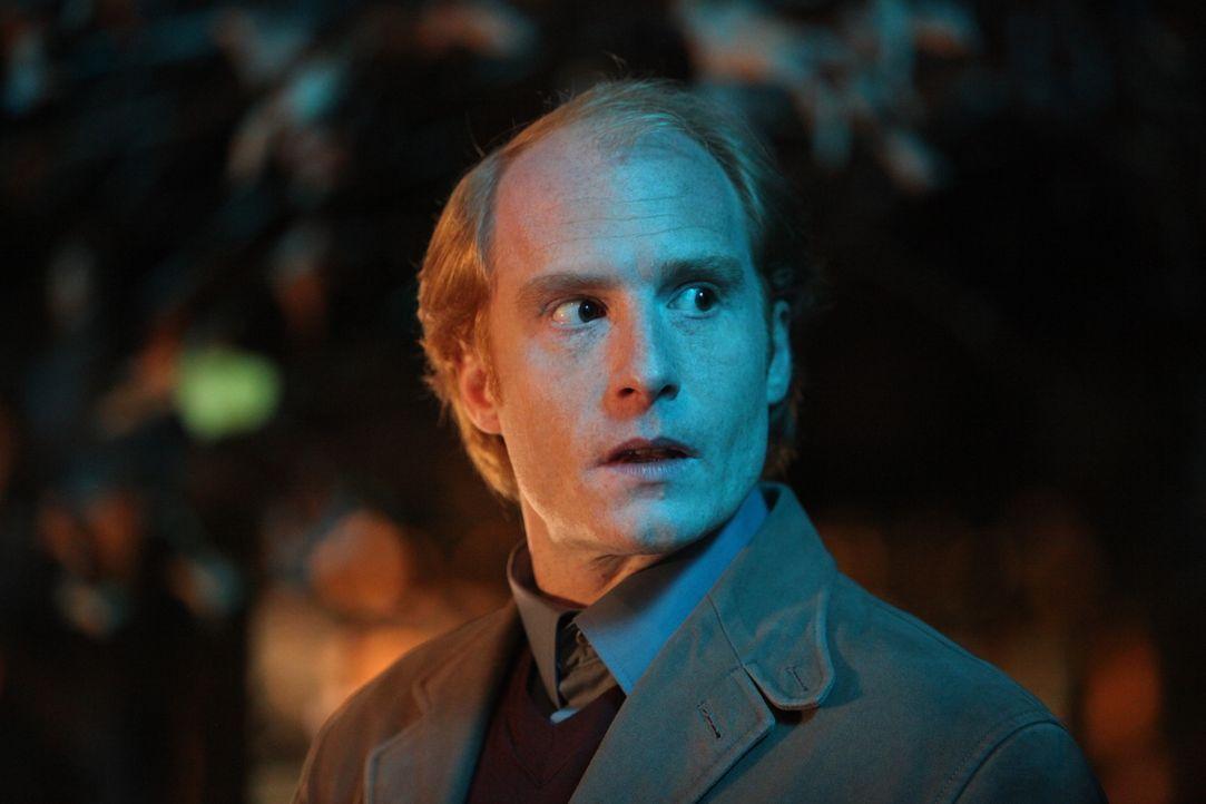Was hat Joseph (Antoine Cholet) nur mit dem neuesten Fall zu tun? - Bildquelle: Xavier Cantat 2011 BEAUBOURG AUDIOVISUEL