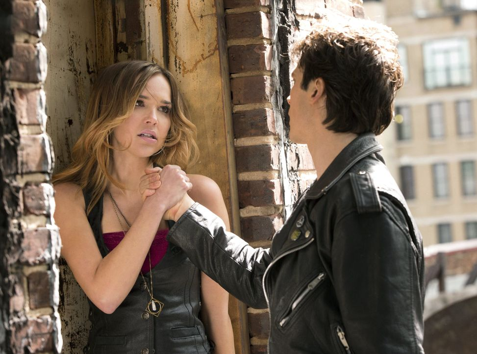Lexi und Damon - Bildquelle: Warner Bros. Entertainment Inc.