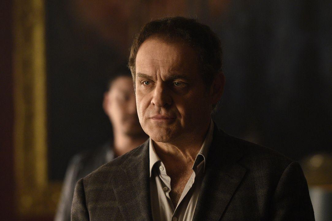Noch ahnt Roman Navikev (Daniel Kash) nicht, dass er bald in den Kampf gegen Aleister hineingezogen wird ... - Bildquelle: 2015 She-Wolf Season 2 Productions Inc.