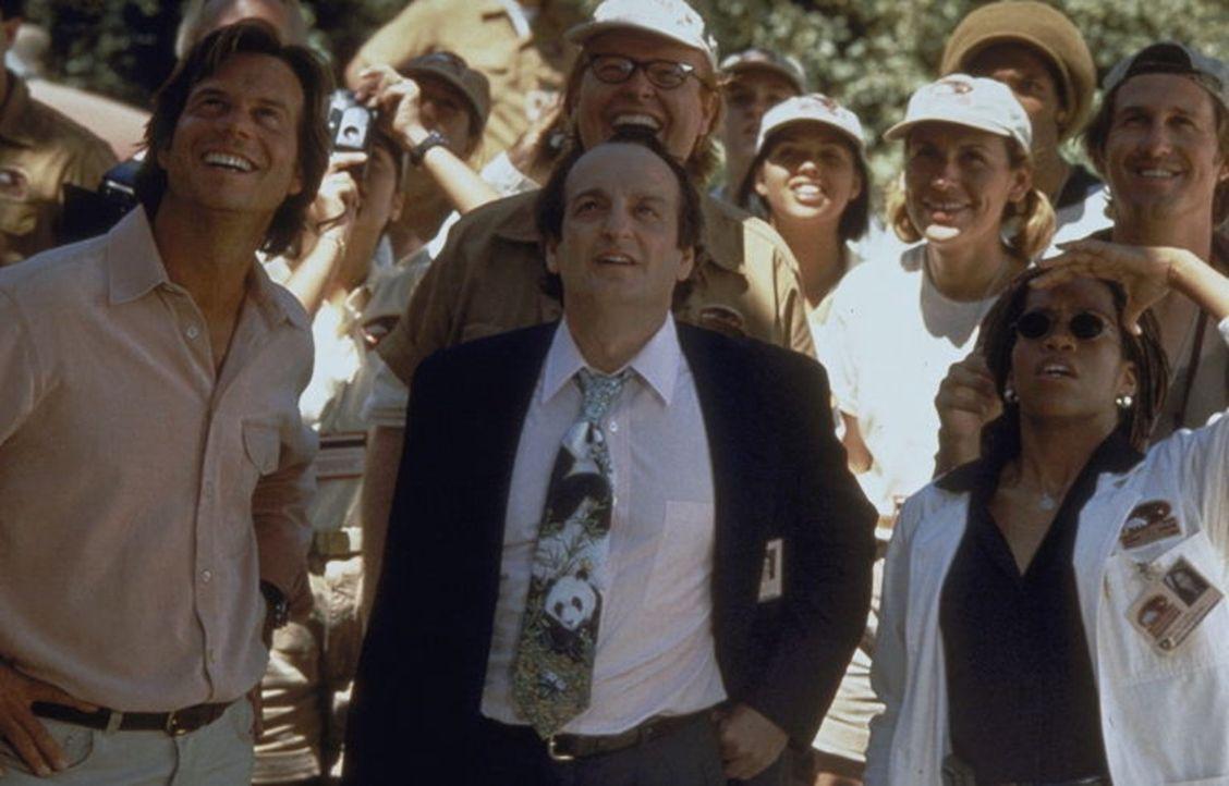 Gregg O'Hara (Bill Paxton, l.), Harry Ruben (David Paymer, M.) und Cecily Banks (Regina King, r.) können nicht glauben, was Joe so alles in L.A. an...