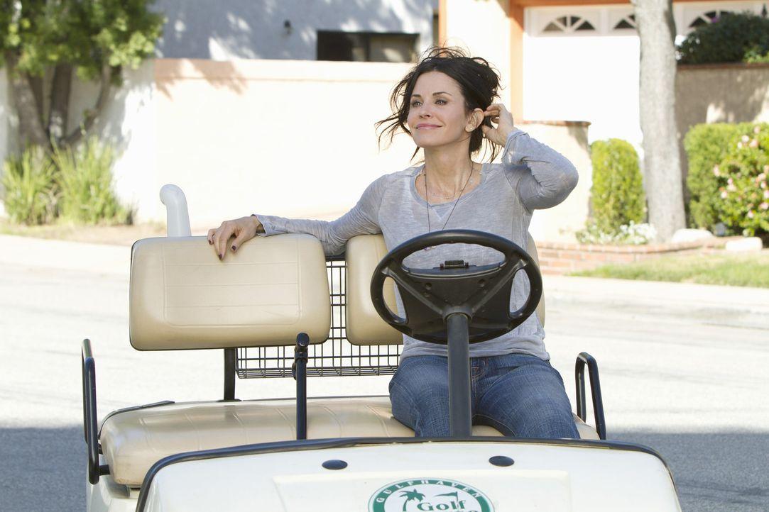 Schließt mit Bobby eine Wette ab - doch wer wird gewinnen? Jules (Courteney Cox) ... - Bildquelle: 2010 ABC INC.