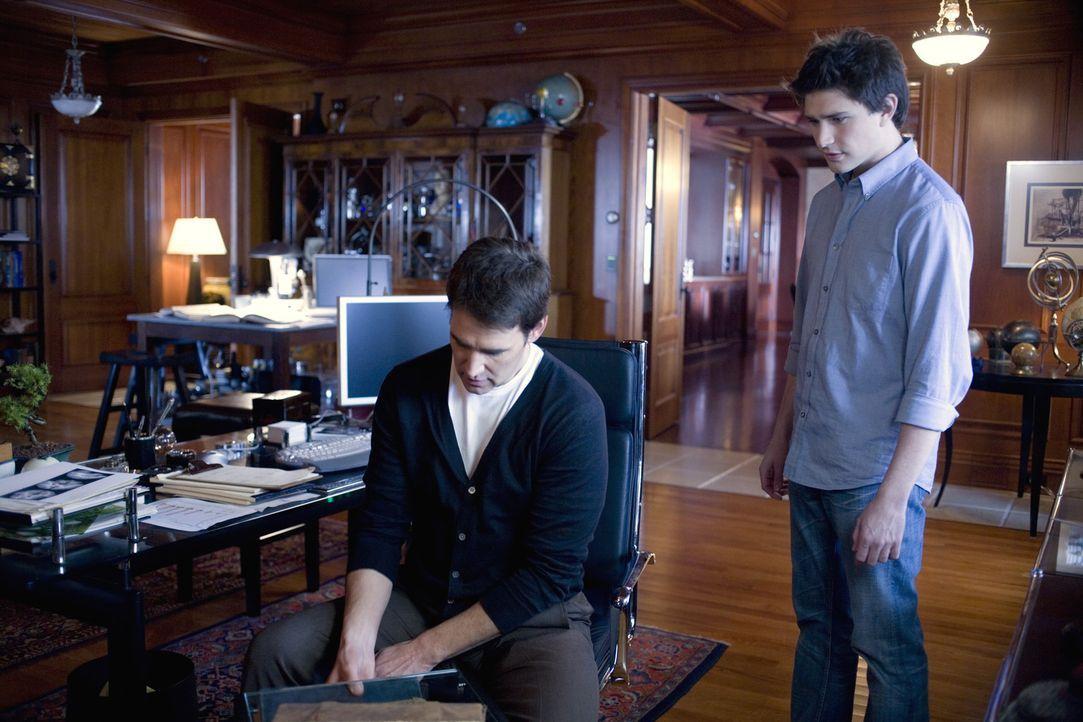 Haben die gleiche Herkunft: Adam Baylin (J. Eddie Peck, l.) und Kyle (Matt Dallas, r.) ... - Bildquelle: TOUCHSTONE TELEVISION