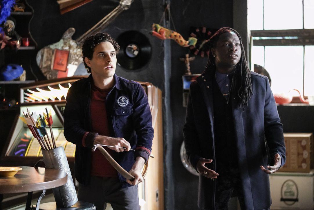 Landon Kirby (Aria Shahghasemi, l.); Kaleb Hawkins (Christopher De'Sean Lee, r.) - Bildquelle: 2020 Warner Bros Entertainment Inc. All rights reserved.