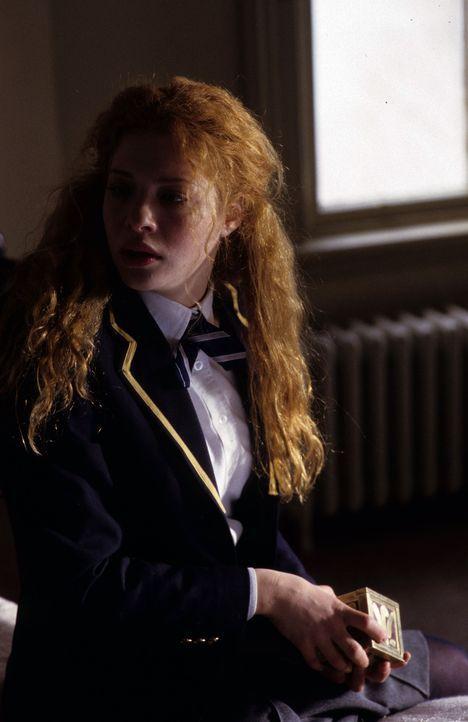 Als ihr Schulkamerad ertrinkt, will die Leitung der exklusiven Privatschule einen Skandal vermeiden und drängt die Behörden, den Fall als Selbstmo... - Bildquelle: Myriad Pictures Inc.