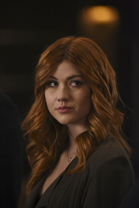 Clary Fray (Katherine McNamara) - Bildquelle: John Medland 2017 Disney Enterprises, Inc. All rights reserved. / John Medland