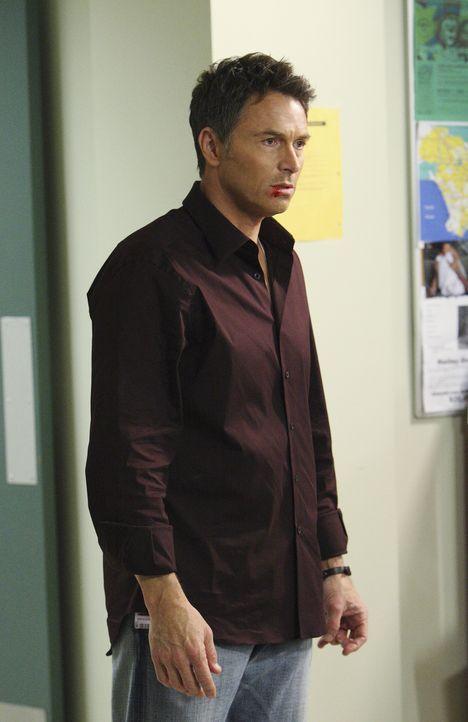 Kümmert sich um Heather, Dells Ehefrau, die bei einer Explosion schwer verletzt wurde: Pete (Tim Daly) - Bildquelle: ABC Studios