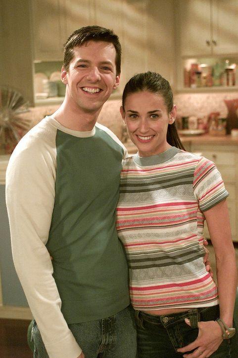 Nach Jahren trifft Jack (Sean Hayes, l.) seine Babysitterin Sissi (Demi Moore, r.) wieder, doch plötzlich legt er ein seltsames Verhalten an den Ta... - Bildquelle: NBC Productions