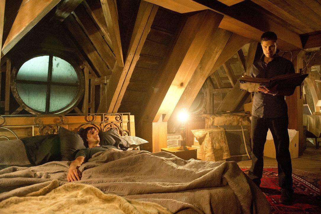 Als Killian (Daniel DiTomasso, l.) und Dash (Eric Winter, r.) eine Nachricht von ihrer verstorbenen Mutter bekommen, bringt das einige Steine ins Ro... - Bildquelle: 2014 Twentieth Century Fox Film Corporation. All rights reserved.