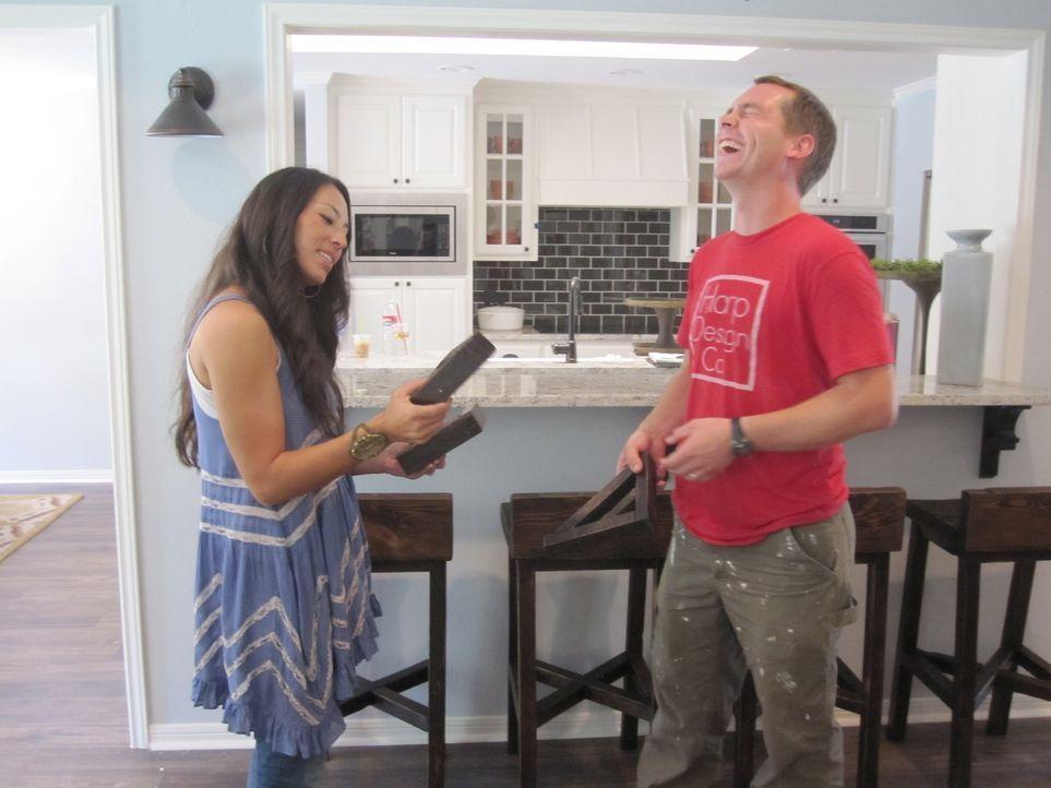 Joanna (l.) und Chip (r.) Gaines wollen alte, triste Häuser wieder in wohnliche, schöne Heime verwandeln ... - Bildquelle: 2015, HGTV/ Scripps Networks, LLC.  All Rights Reserved.
