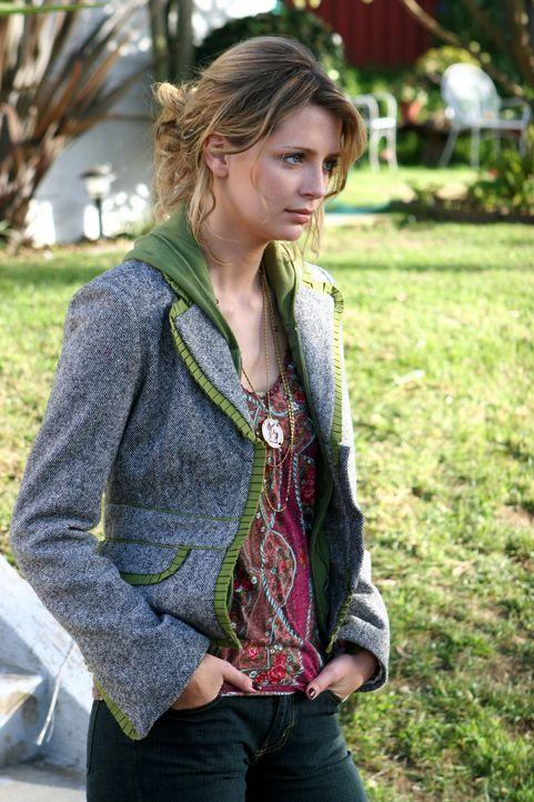 Marissa (Mischa Barton) ist am Boden zerstört, als sie erfährt, dass Johnny den Absturz nicht überlebt hat ... - Bildquelle: Warner Bros. Television