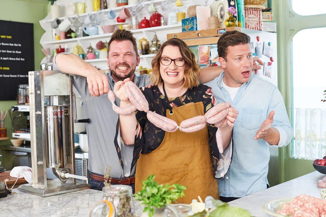 (v.l.n.r.) Jimmy Doherty; Sarah Millican; Jamie Oliver - Bildquelle: David Loftus