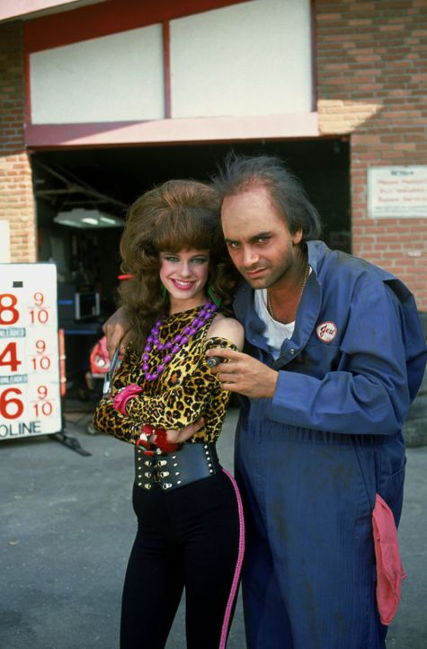 Sieht so die Zukunft von Kimmy (Andrea Barber, l.) und Jesse (John Stamos, r.) aus? - Bildquelle: Warner Brothers Inc.