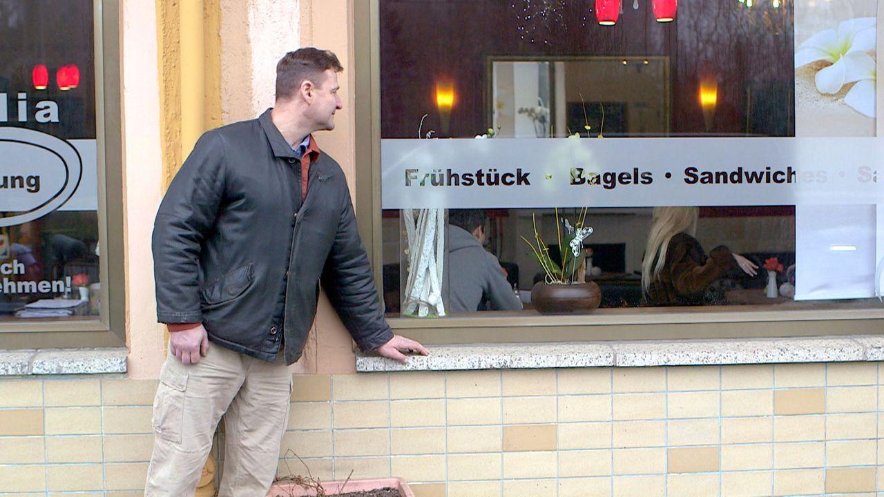 Sucht die Nähe zu seinen Kindern: Ralf ... - Bildquelle: SAT.1