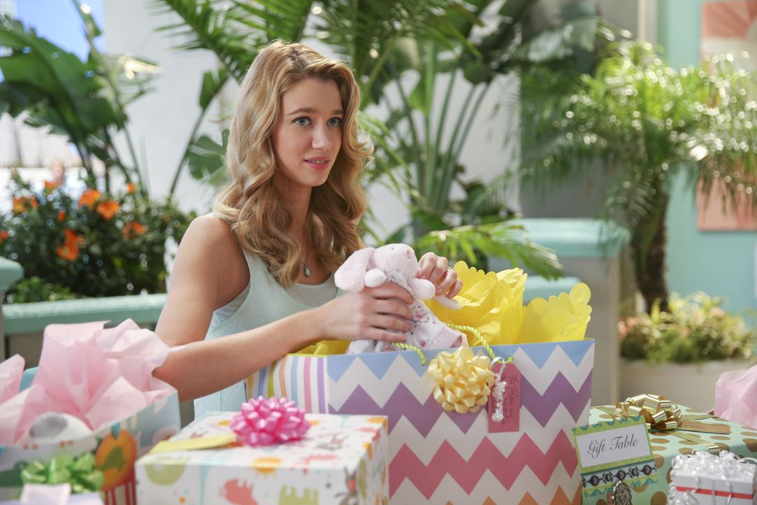 Plant eine Babyparty: Petra (Yael Grobglas) ... - Bildquelle: 2015 The CW Network, LLC. All rights reserved.