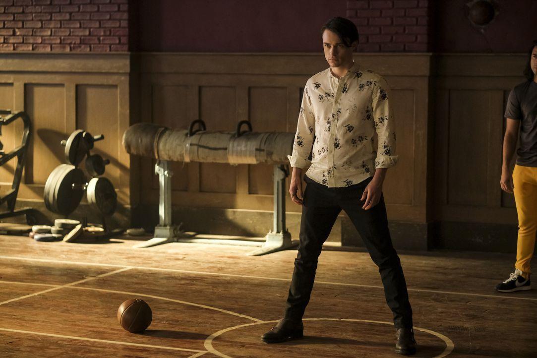 Sebastian (Thomas Doherty) - Bildquelle: 2020 Warner Bros Entertainment Inc. All rights reserved.