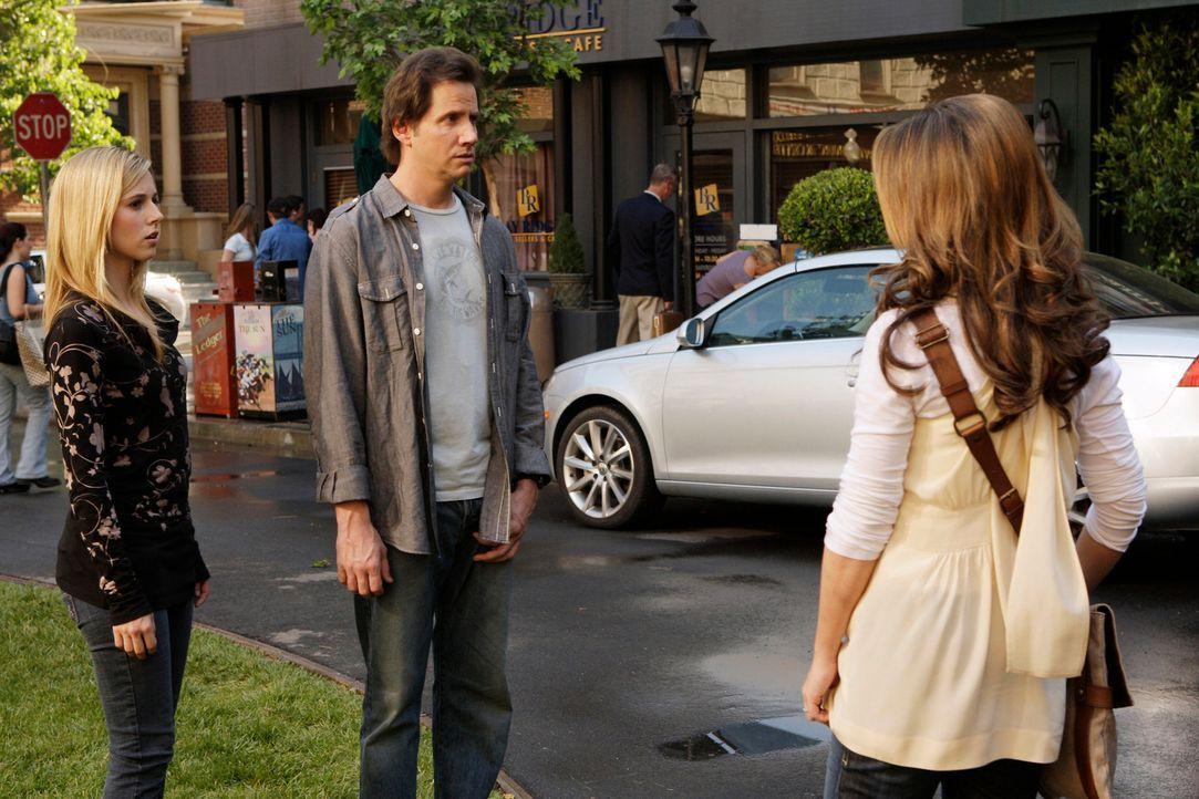 Nach alldem, was geschehen ist, nehmen Melinda (Jennifer Love Hewitt, r.) und Eli (Jamie Kennedy, M.) Abschied von Fiona (Alona Tal, l.) ... - Bildquelle: ABC Studios