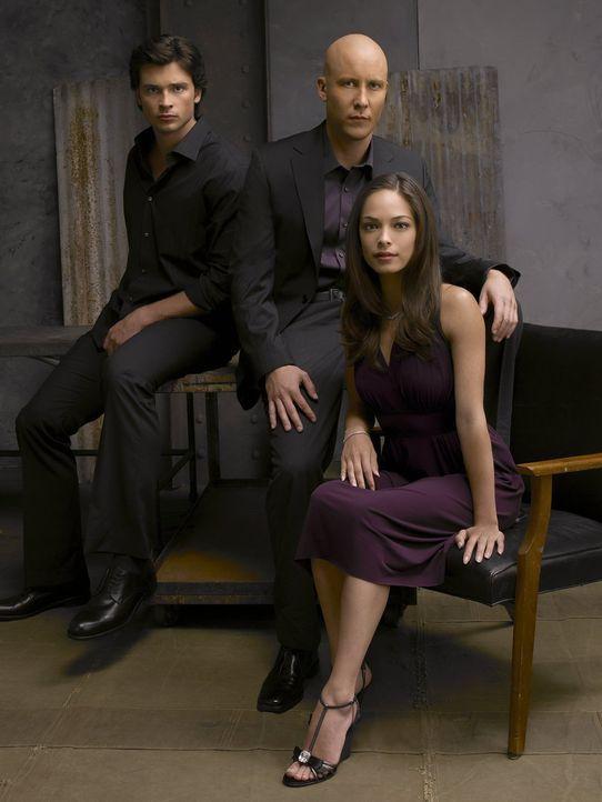 Lana (Kreuk Kristin, r.) muss sich entscheiden: Liebt sie Clark (Tom Welling, l.) oder Lex (Michael Rosenbaum, M.)? - Bildquelle: Warner Bros.