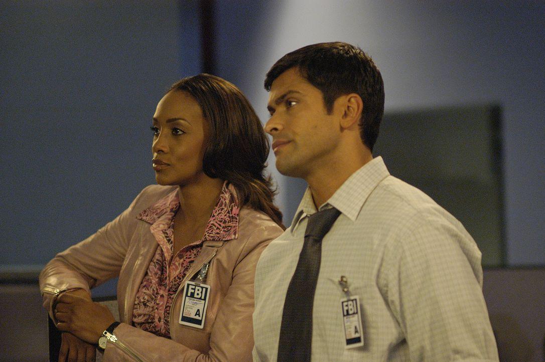 Eine junge Frau verschwindet spurlos. Nicole (Vivica A. Fox, l.) und Antonio (Mark Consuelos, r.) erfahren, dass ihr letztes Lebenszeichen von der  - Bildquelle: Sony Pictures Television International. All Rights Reserved.