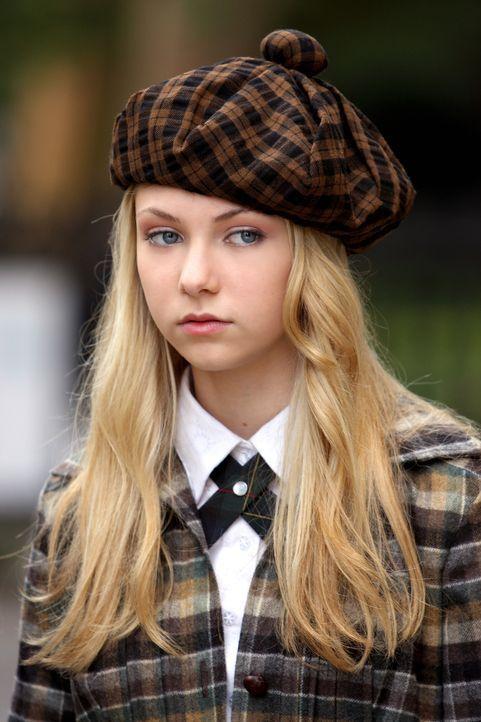 Eine schwierige Entscheidung: Jenny (Taylor Momsen) muss zwischen einer Ausstellung ihrer Mutter und dem Ball wählen ... - Bildquelle: Warner Brothers