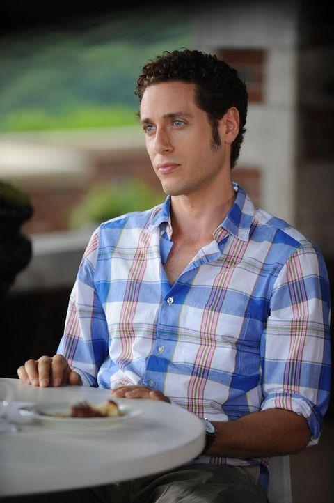Evan (Paulo Costanzo) ist stinksauer: Emily wirbt HankMed immer mehr Patienten ab, und dabei ist ihr jedes Mittel recht ... - Bildquelle: Universal Studios