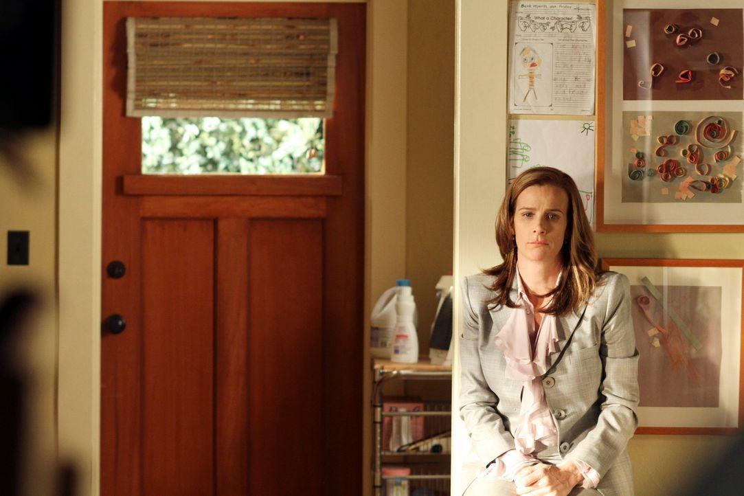 Während Kevin und Scotty sehnsüchtig darauf warten, dass ihre Leihmutter endlich schwanger wird, stellt Sarah (Rachel Griffiths) fest, dass ihre P... - Bildquelle: 2010 American Broadcasting Companies, Inc. All rights reserved.