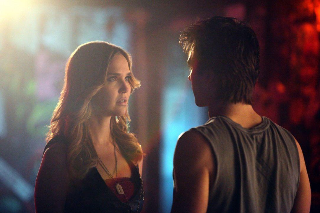 Sind die Erinnerungen von Damon (Ian Somerhalder, r.) an seine Zeit mit Lexi (Arielle Kebbel, l.) nur ein Ablenkungsmanöver? - Bildquelle: Warner Brothers