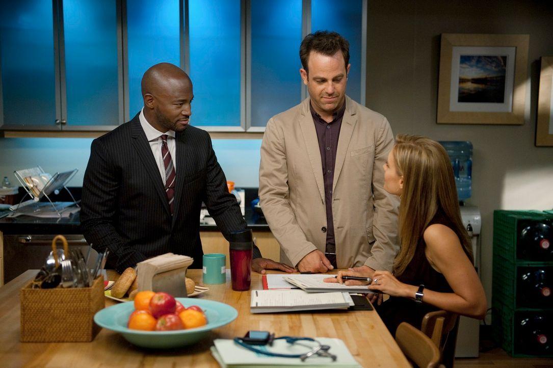 Müssen von einem geliebten Menschen Abschied nehmen: Sam (Taye Diggs, l.), Cooper (Paul Adelstein, M.) und Charlotte (KaDee Strickland, r.) ... - Bildquelle: ABC Studios