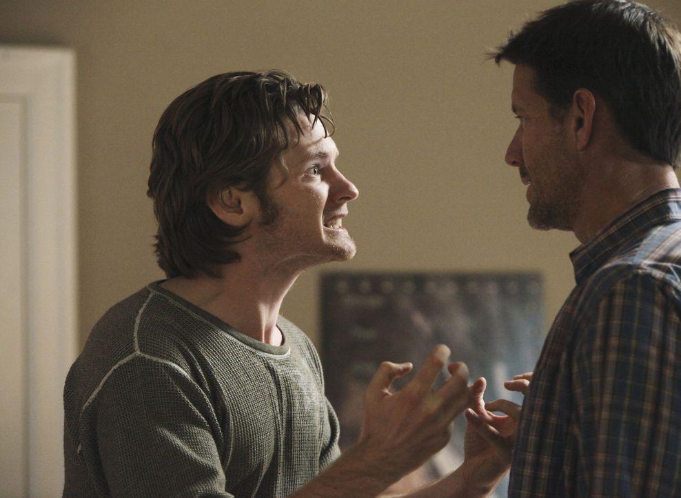 Paul, dem nun klar ist, dass Zach (Cody Kasch, l.) derjenige war, der ihn angeschossen hat, versucht verzweifelt, seinen Sohn zu finden. Da er keine... - Bildquelle: ABC Studios