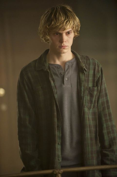 Wird Tate Langdon (Evan Peters) endlich ins Jenseits gehen können? - Bildquelle: 2011 Twentieth Century Fox Film Corporation. All rights reserved.