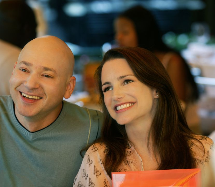 Die Vorbereitungen zur Hochzeit verlaufen für Harry (Evan Handler, l.) und Charlotte (Kristin Davis, r.) nicht so reibungslos wie erhofft ... - Bildquelle: Paramount Pictures