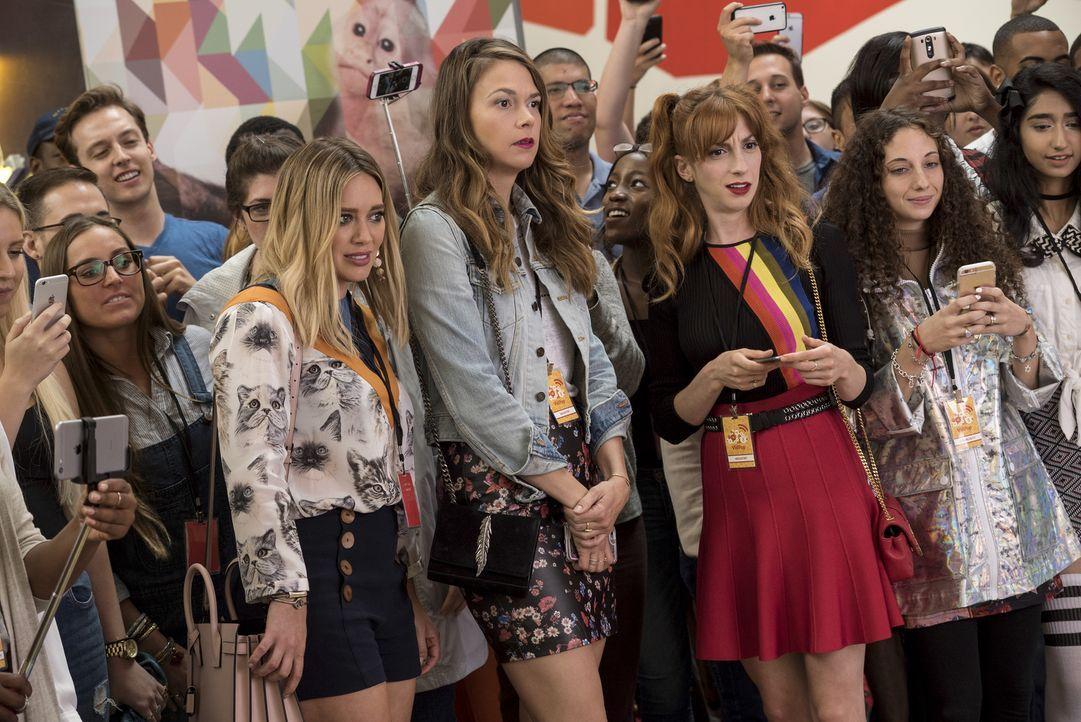 (Mitte v.l.n.r.) Kelsey (Hilary Duff); Liza (Sutton Foster); Lauren (Molly Bernard) - Bildquelle: Hudson Street Productions Inc 2016