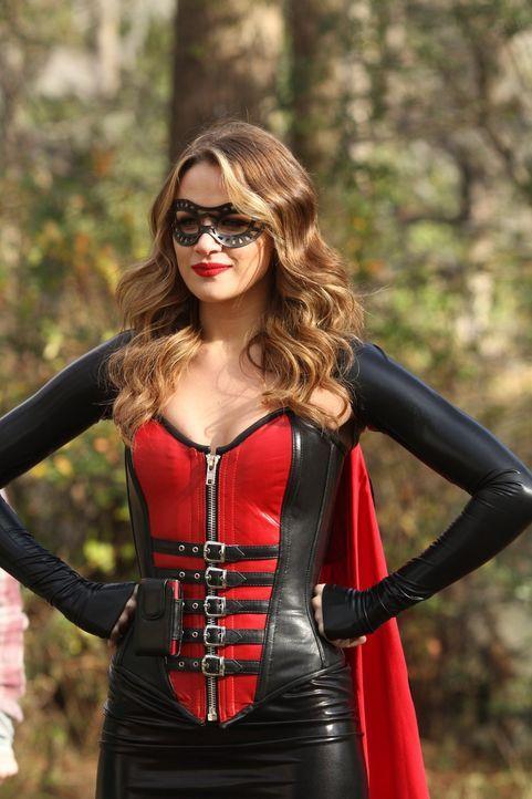 Als Superheldin will Quinn (Shantel VanSanten) einem Mobbing-Opfer helfen ... - Bildquelle: Warner Bros. Pictures