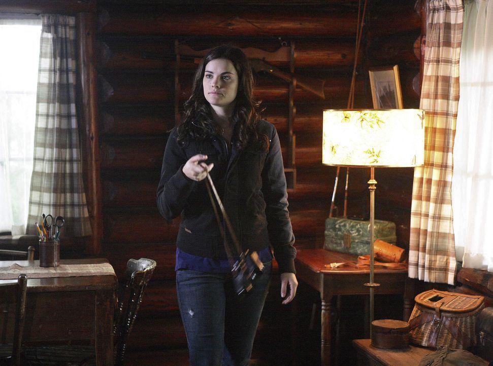 Als sie in die verlassene Hütte im Wald geht, macht Jessi (Jaimie Alexander) eine überraschende Entdeckung. Sie weiß nun, wie sie an die Informat... - Bildquelle: TOUCHSTONE TELEVISION