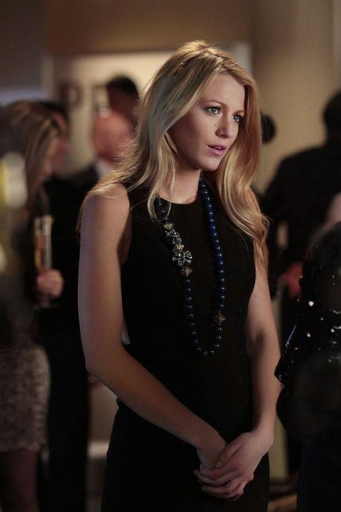 Nimmt sich der Aufgabe an, die Georgina ihr übertragen hat: Serena (Blake Lively) ... - Bildquelle: Warner Bros. Television