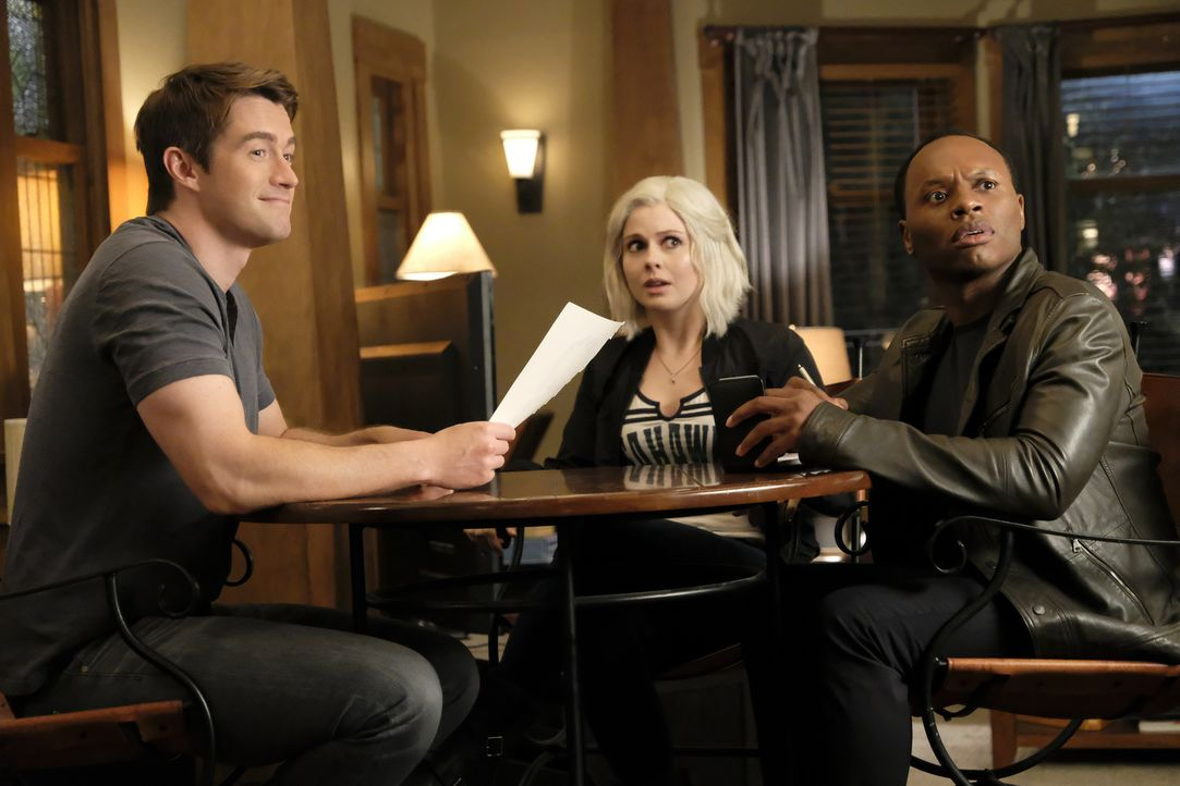 (v.l.n.r.) Major (Robert Buckley); Liv (Rose McIver); Clive (Malcolm Goodwin) - Bildquelle: Warner Bros.
